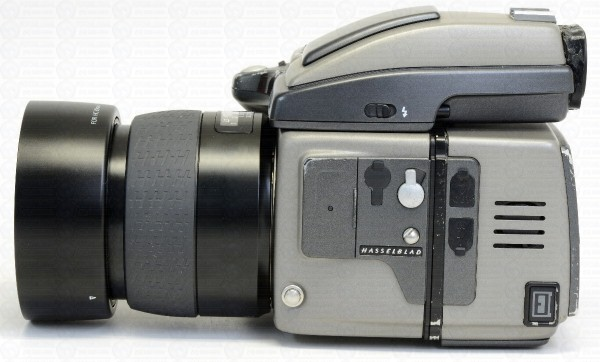 hasselblad-h3d-com-80mm-e-back-digital-de-22-megas-d_nq_np_883631-mlb26546135995_122017-f_1_1.jpg