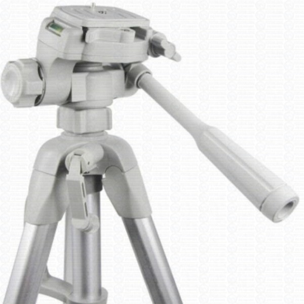 weifeng-portable-lightweight-tripod-video-and-camera-wt-3760-silver-2_1_